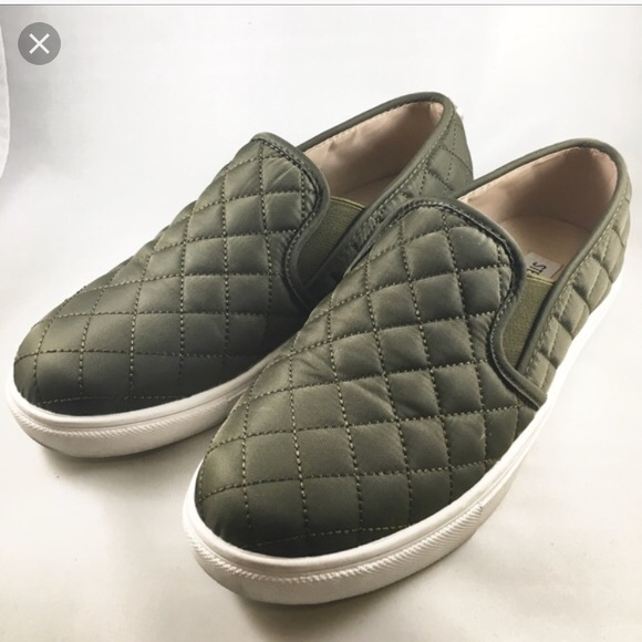 448f28f653ca Steve madden green quilted slip on shoes. M 5b5926a3d365be97d5f45cff